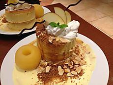 りんごとホットキャラメルホットケーキ