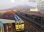 森駅跨線橋から駒ヶ岳を望む